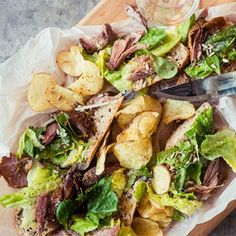 Pulled duck med Ceasarsallad på surbrödsbaguette Wine And Spirits, Potato Salad, Potatoes, Meat, Chicken, Ethnic Recipes, Food, Grilling, Beef