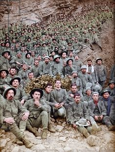 Italian prisoners of war near Flitsch after the Second Battle of the Isonzo, Slovenia, September 1915 (photo)