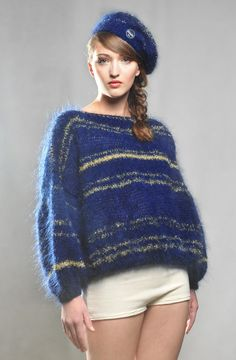 Josy Pullover - Big knits from the handmade knitwear label Maurice. https://mauricecoffeeknits.com/