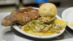 Small Town Eats and Yummy Treats: Sac County Cattle Company in Sac City