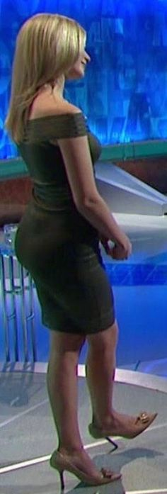(58) Twitter Rachel Riley Legs, Racheal Riley, Blond, Holly Willoughby, Popular Outfits, Glamour, Nicole Scherzinger, Sexy, Cool Girl