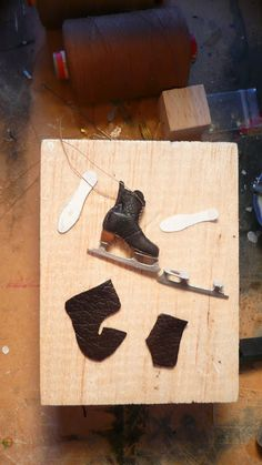 1:12 scale Victorian style Ice skates