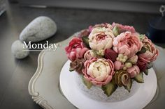"좋아요 37개, 댓글 1개 - Instagram의 monday(@monday_dongtan)님: ""By student,  1st Advanced course , Beanpast flower & Ricecake  ᆞ ᆞ ᆞ ᆞ ᆞ #flowercake…"""