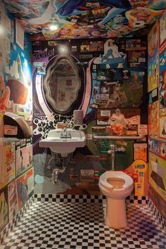 From poetic bathroom scrawl to starry night tiling, a few Brooklyn bar bathrooms stand out from the rest. Here's a list of our favorites. Neon Wall Signs, Toilette Design, Small Toilet Room, Bathroom Stand, Aesthetic Space, Graffiti, Workspace Design, Cool Bars, Kitchen Flooring