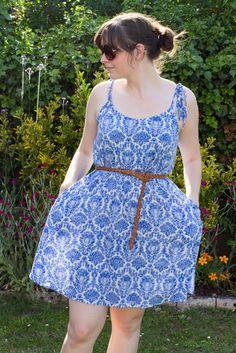Meine erste Version des Sewaholic Saltspring Kleids ohne den Bausch-Effekt. Es ist das PERFEKTE Sommerkleid!