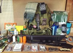 Survival Supplies, Survival Tools, Camping Survival, Outdoor Survival, Survival Prepping, Survival Stuff, Survival Bags, Emergency Planning, Camping Box