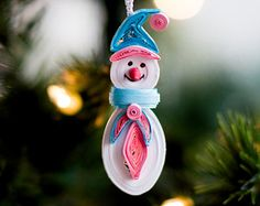 Bonhomme de neige ornement - arbre de Noël ornement - ornement de Noël - ornement papier - papier Quilling - piquants ornement