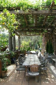 The best outdoor room pergola design ideas suggest keeping everything neutral an. - The best outdoor room pergola design ideas suggest keeping everything neutral and natural. Diy Pergola, Rustic Pergola, Wooden Pergola, Pergola Shade, Cheap Pergola, Rustic Backyard, Pergola Roof, Outdoor Pergola, White Pergola