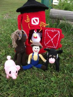 Free crochet pattern for barn, farmer and animals by Bizzy Crochet