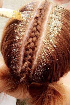 Les Glitter Roots Sont Officiellement la Plus Grande Tendance de la Saison des Festivals
