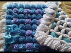 how to make a pom pom blanket how to add diffrent color pom poms
