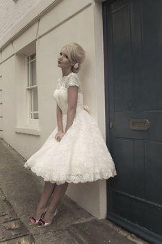 19 Sweetest Short Wedding Dresses You'll Love