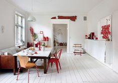 [Visite Privée] Un appartement en #rouge et #blanc à Copenhague : la salle à manger