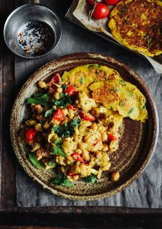 Cauliflower And Chickpea Curry, Roasted Cauliflower, Chickpea Salad, Delicious Vegan Recipes, Vegetarian Recipes, Healthy Recipes, Curry Recipes, Healthy Food, Healthy Eating