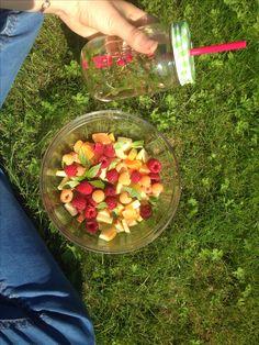 fruity lunch! 🍎🌱 #vegan #healthy #biglove