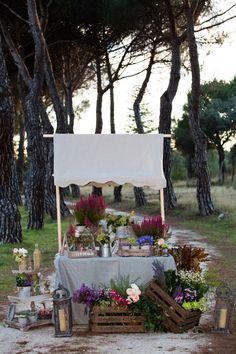 De profesión, diseñadora de flores y decoradora de bodas