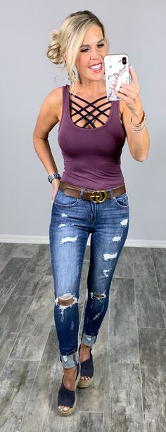 """Everyone needs one of these so soft basic fittedtanks they are fitted and don't lose shape while your wearing them! Definitely a closet staple! 95%Rayon/ 5%Spandex TOTAL LENGTH 25"""", CHEST 26"""" - MEASURED FROM SMALL Ootd Fashion, Fashion 2017, Fashion Boutique, Womens Fashion, Dress Fashion, Simple Outfits, Fall Outfits, Going Out Outfits, Outfit Goals"""