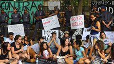 Escolas ocupadas em São Paulo - http://controversia.com.br/features/escolas-ocupadas-em-sao-paulo