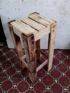 Recycled #Pallet Stackable Stools | Pallet Furniture