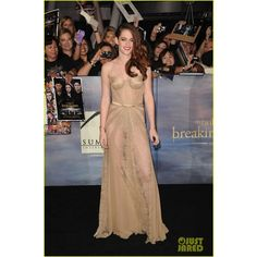 Kristen Stewart Robert Pattinson 'Twilight' Breaking Dawn Part 2... ❤ liked on Polyvore featuring red carpet, celebs, kristen stewart and twilight