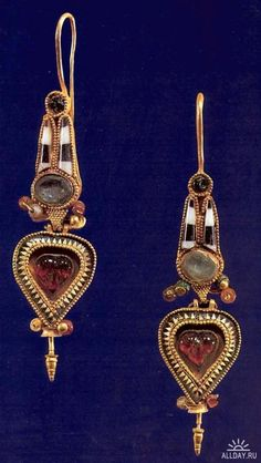 Ancient Egypt Jewelry. Earrings - I would so wear these!  1   1