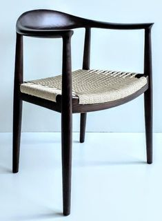 XSW05T Restaurant Specials, Harry Bertoia, Wooden Dining Chairs, Charles & Ray Eames, All Design, Wooden Frames, Rattan, Furniture, Home Decor