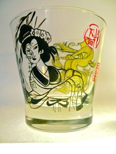 Painted glass woman Japan & dragon : made to order: size of glass available: height diameter cm -Baked glass for food use. -Use caution: for better resistance, wash your glass by hand, but using the dishwasher can cycle at 40 ° eco © haelwennlais Pint Glass, Articles, Canning, Tableware, Artwork, Etsy, Drinkware, Dinnerware, Work Of Art