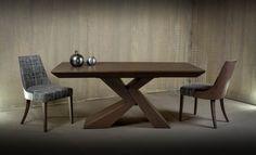 Μοντέρνα τραπεζαρία Groovy  από ξύλο δρυ με επέκταση στο πλάγιο μέρος σε διάσταση 180Χ90(+50).Καρέκλα Oslo με ιδιαίτερη πλάτη  επενδυμένη από ξύλο και αναπαυτικό κάθισμα από ύφασμα της επιλογής σας.