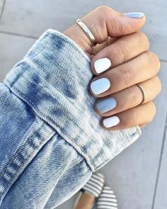 Semi-permanent varnish, false nails, patches: which manicure to choose? - My Nails Metallic Nails, Cute Acrylic Nails, Gradient Nails, Matte Nails, Gold Nail, Acrylic Nails Almond Matte, Cute Gel Nails, Zebra Nails, Galaxy Nails