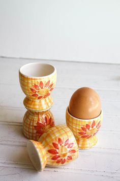 Set of four vintage Ceramic Egg Cups in by SunchowdersVintage, $12.00