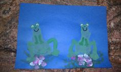 Foot print frogs with hand print lily pads Projects For Kids, Art Projects, Footprint Art, Toddler Art, Frogs, Aunt, Fathers Day, Lily, Art Prints