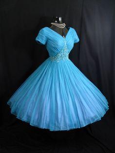 kathyoinspirations:    love me or leave me. doris day! this is fantastic!  vintage 1950s dress @vintagevortex @etsy