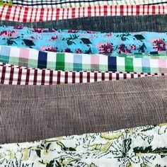 Wunderschöne  Stoffe beim @alnour_marrakech Weihnachtsmarkt. Quilts, Blanket, Bed, Instagram, Home, Fabrics, Nice Asses, Stream Bed, Quilt Sets