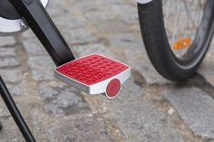 A bicicleta e o pedal inteligente - High-Tech Girl  Connected Cycle