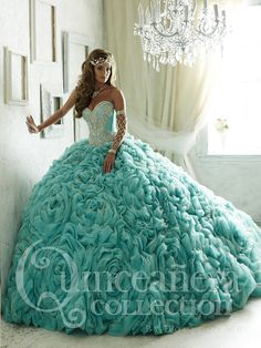 Pretty quinceanera dresses, 15 dresses, and vestidos de quinceanera. We have turquoise quinceanera dresses, pink 15 dresses, and custom quince dresses! Xv Dresses, Quince Dresses, Fashion Dresses, Prom Dresses, Turquoise Quinceanera Dresses, Pretty Quinceanera Dresses, Quinceanera Ideas, Sweet 15 Dresses, Pretty Dresses