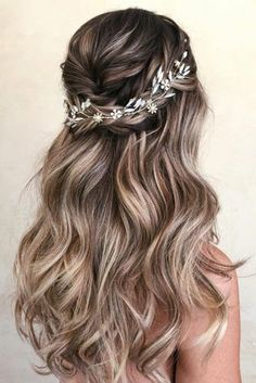 30 Wedding Hair Half Up Ideas Balayage amp; Ombre hair 30 Wedding Hair Half Up Ideas Balayage amp; Ombre hair The post 30 Wedding Hair Half Up Ideas Balayage amp; Ombre hair appeared first on Outdoor Ideas. Bridal Hair Vine, Wedding Hair And Makeup, Beach Wedding Hair, Blue Wedding, Boho Wedding Hair Half Up, Diy Bridal Hair, Blue Bridal, Romantic Bridal Hair, Wedding Curls