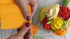 Rose di carta crespa crepe paper roses - YouTube