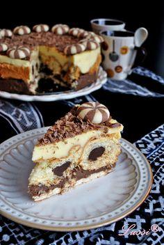 """Lussi`s World of Artcraft: Лесна торта с кроасани """"Черно и бяло"""" / Black and ..."""