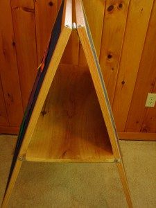 Shelf easel
