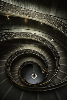 These famous Vatican stairs are so inspiring ! During my stay at Rome, I decided to visit the Vatican museum mainly to see these stairs by myself, and now I can definitely say that they are gorgeous. Amazing Architecture, Architecture Design, Visiting The Vatican, Portal, Sistine Chapel, Stairway To Heaven, Vatican City, Birds Eye View, Elements Of Design
