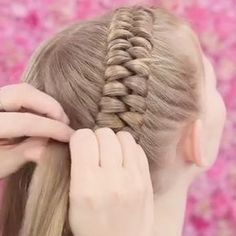 The Dutch Infinity Braid Tutorial! The Dutch Infinity Braid Tutorial! The Dutch Infinity Braid Tutorial! The Dutch Infinity Braid Tutorial! Little Girl Hairstyles, Pretty Hairstyles, Braided Hairstyles, Infinity Braid, Curly Hair Styles, Natural Hair Styles, Hair Dos, 4c Hair, Hair Today