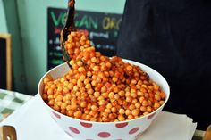 Tinned Tomatoes: Chickpea Salad with Tomato Sauce and Wakame Seaweed