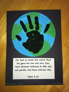 There's No School Like Homeschool: Earth Handprint Craft Tutorial - for the first week of ECC