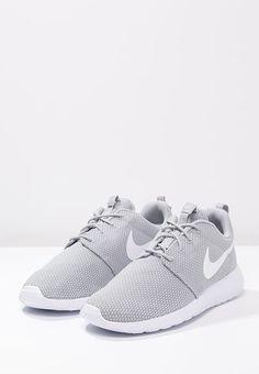 new style 541a0 58953 Nike Sportswear ROSHE ONE - Sneakers - wolf grey white - Zalando.se Storlek