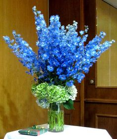 Floral centerpiece from wedding in Amiens, France