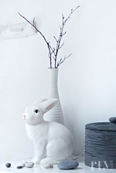 pretty white porcelain rabbit | Easter bunny . Osterhase . lapin des Pâques | @ flufly |