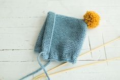 KIVA magazine | Cómo hacer un gorro de punto paso a paso Baby Hats Knitting, Knitting For Kids, Knitting Projects, Knitted Hats, Knitting Patterns, Crochet Baby, Knit Crochet, Diy Bebe, Baby Bonnets