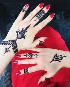"Traditional Tunisian symbols for this year's henna design. Did you know in Tunisia black henna is called ""Harkous""?"