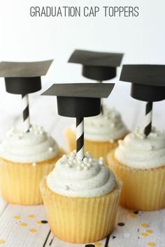 Super Cute DIY Graduation Cap Cupcake Toppers! Tutorial on { lilluna.com } #graduation