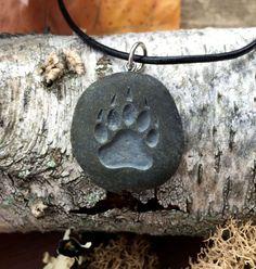 Bear Claw symbol of Courage, Power & Confidence - engraved Beach Stone Pendant - Totem spirit animal Garra, Stone Pendants, Glass Pendants, Dremel, Bear Totem, Steampunk Men, Bear Claws, Beach Stones, Stone Art